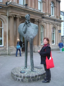 sligo-1-yeats-statue-sue-longs