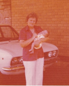 1976MumMeetsJessCROPW