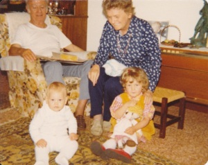 1979Mum&DadJ&JW